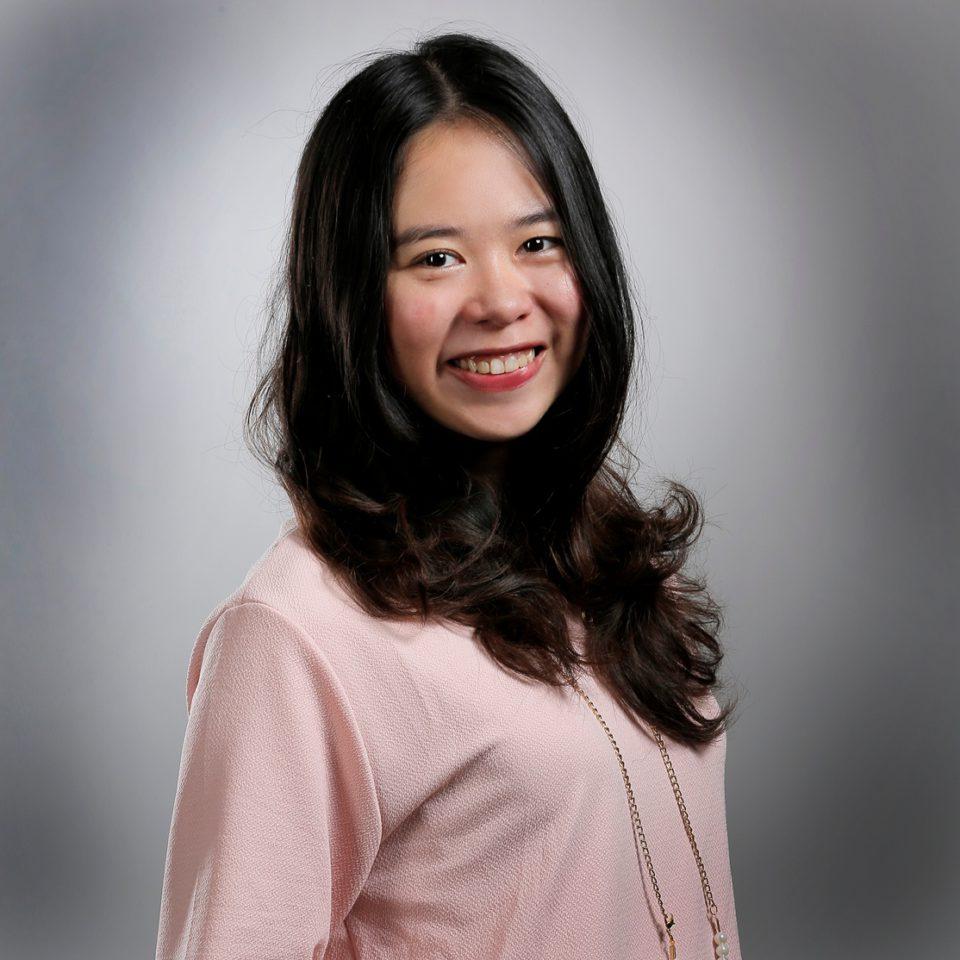 Vania Ivena Kurniawan
